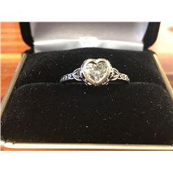 LADIES 14K WHITE GOLD RING CONTAINING 7 DIAMONDS (0.54CTS DIAMONDS/2.9GMS GOLD)
