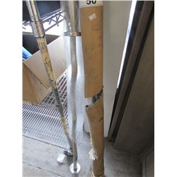 2 CURVED WEIGHT BARS