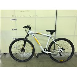 WHITE IRONHORSE DESPERADO 21 SPEED FRONT SUSPENSION BIKE WITH FRONT AND REAR DISC BRAKES