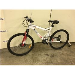 WHITE CCM STATIC 26 FULL SUSPENSION MOUNTAIN BIKE WITH FRONT DISK BRAKE, BROKEN REAR DERAILER