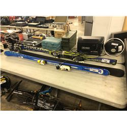 PAIR OF ATOMIC 168 CM SKIS
