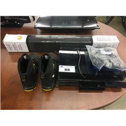 2 BLU-RAY PLAYERS, RETRACTABLE GATE AND PAIR OF SIZE 9 DAKOTA WORK BOOTS