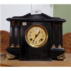 C.1905 NEW HAVEN MANTLE CLOCK