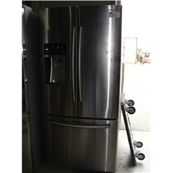 SAMSUNG STAINLESS STEEL FRENCH DOOR REFRIGERATOR WITH WATER AND ICE