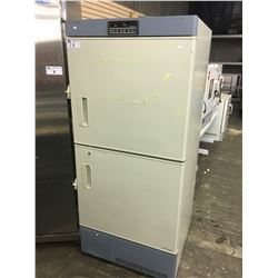 THERMO FORMA MODEL 3672 DUAL CHAMBER -30C LAB FREEZER