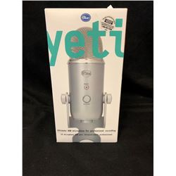Blue Microphones Yeti Professional USB Condenser Microphone - Silver W/Box