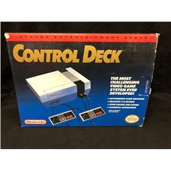 1985 NES BOX Nintendo Entertainment System Control Deck NES-001 (IN ORIGINAL BOX)