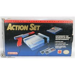 74) BOXED 1985 NINTENDO ACTION SET ENTERTAINMENT