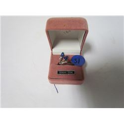Blue stone fashion ring- in pink box