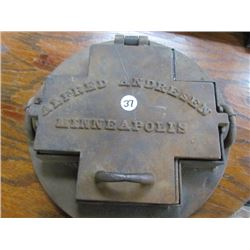 Cast Iron Alfred Anderson Minneapolis Tile PressLid Hinge Broken