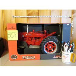 "1/8 Scale Farmall Super M Tractor Toy - Scale Models 19.5""x11.5"""