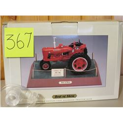 1/6 scale Farmall M SpecCast Limited Edition Best of Show Tractor Toy