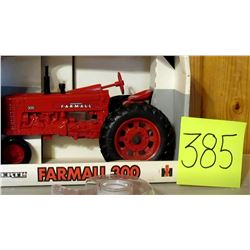 "1/16 Farmall 300 Tractor Toy 9""x5"""