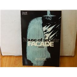 HOUSE OF SECRETS: FACADE #2 APRIL 2001 CONDITION  NEAR MINT - WITH BAG