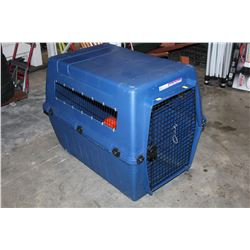 LARGE BLUE PETMATE CRATE