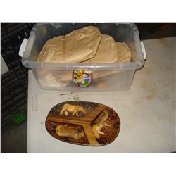 TWO BOXES OF WOOD ANIMALS ON TRAYS AND DECORATIONS