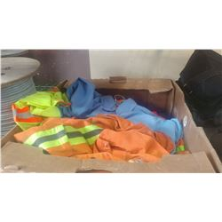 TRAY OF HIGH VISIBILITY CLOTHES