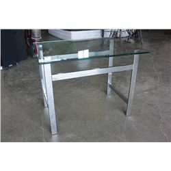 CHROME GLASSTOP ENDTABLE