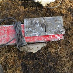 Screed electric concrete vibrator