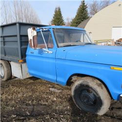 Ford 1976? V8 4 speed w/ 9ft box and hoist
