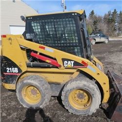 Cat 2005 skid steer 216C. Good unit, cab, heat, bucket.