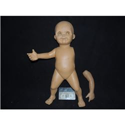 Z-CHILD'S PLAY 2 SCREEN USED GOOD GUY DOLL FROM FACTORY SCENE