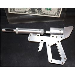 THE STRAIN SCREEN USED HERO ALUMINUM VIRUS INJECTOR GUN