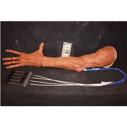300 EPHIALTES SCREEN MATCHED HERO ANIMATRONIC ARM WITH CABLES AND TRIGGER INTACT
