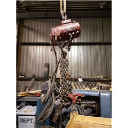 Chicago Pneumatic Hoist 1/2 ton