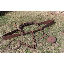 "Wolf Trap (Possibly Bear) Offset Jaws, 28"" Long, Drag Chain"