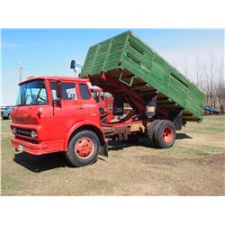 1962 GMC Cabover 960 Gas Engine Wooden Box And Hoist, newer Tires, Approx 1000 Miles On Rebuilt Engi