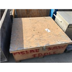 CRATE OF PLASTIC FORMING BRACKETS