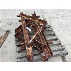 LOT OF METAL BRACES