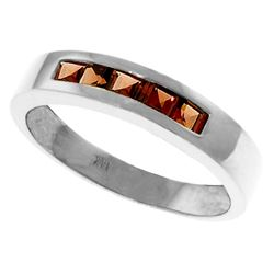 Genuine 0.60 ctw Garnet Ring Jewelry 14KT White Gold - REF-46Z2N