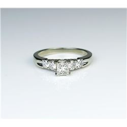 18CAI-55 DIAMOND RING
