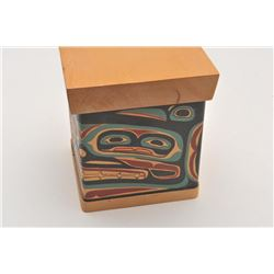 18DH-17 BENTWOOD BOX