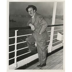 Walt Disney (7) photographs.
