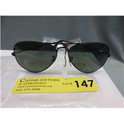 New Ray Ban Aviator Sunglasses with Green Lenses