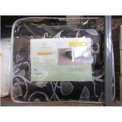 New Queen Size Black & Grey Sherpa Blanket