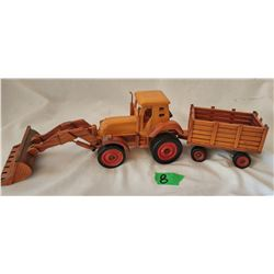 WOODEN TRACTOR WITH WAGON