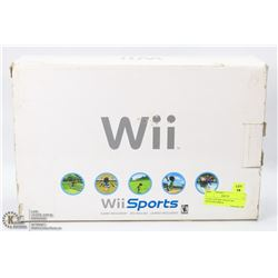 COMPLETE WII SPORTS W/2 CONTROLLERS &