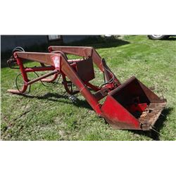 "Superior K150 loader, 40"" bucket, fits Ferguson TO-30 tractor"