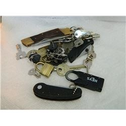 BAG OF ASSORTED LOCKS, KEYS & KNIVES