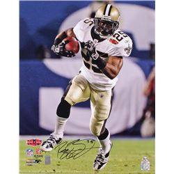 Reggie Bush Signed Saints 16x20 Photo (Radtke COA  Bush Hologram)