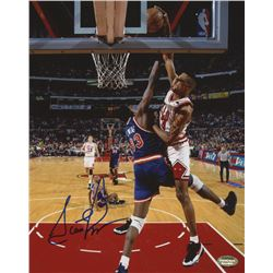 Scottie Pippen Signed Bulls 8x10 Photo (Schwartz COA)