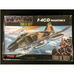 MONOGRAM NAM TOUR OF DUTY F-4C/D PHANTOM II 1:72 UNASSEMBLED MODEL KIT W/ BOX