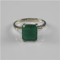 Estate - Ladies 14kt Gold Emerald Solitaire Ring w