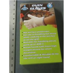 1 New Pair Oven Gloves / a must have for BBQ or Camping