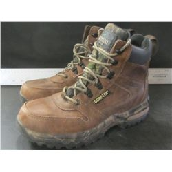 Red Head Gortex Leather Mens Hiking boots / size 9