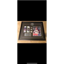 RARE AUTOGRAPHED WAYNE GRETZKY PUCK. FIRST HOME GAME WITH THE NEW YORK RANGERS. INCLUDES OTHER ITEMS